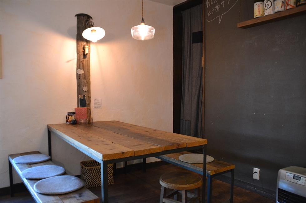 海町食堂 ヒナサク (6人掛けテーブル席)