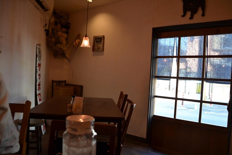 海町食堂 ヒナサク (4人掛けテーブル席)