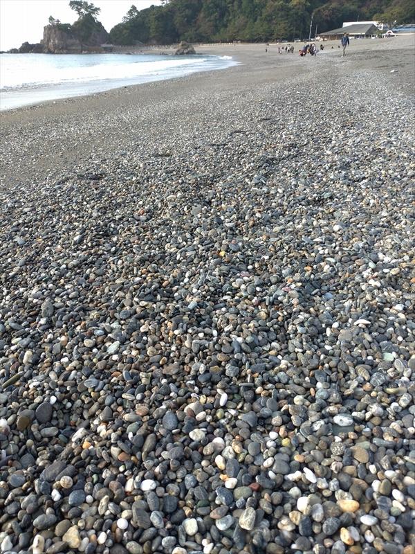 桂浜で五色の石(2)