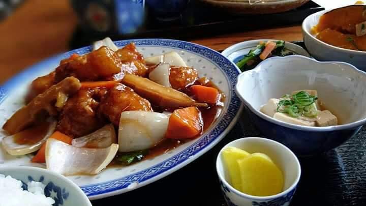 西村商店のランチ(酢豚定食)