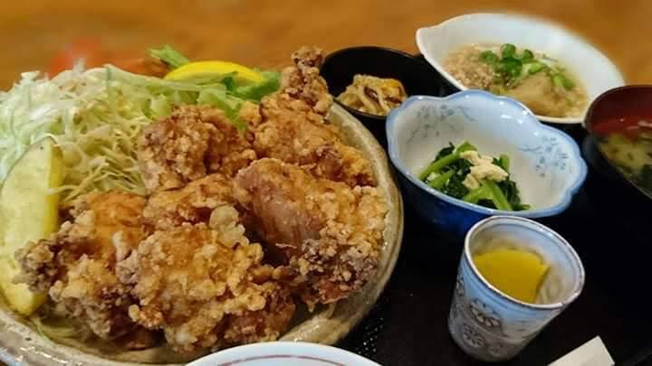西村商店のランチ(から揚げ定食)