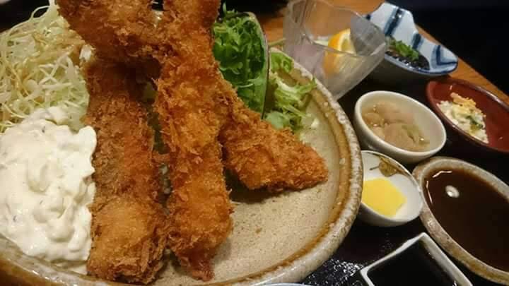 西村商店のランチ(大エビフライ定食)