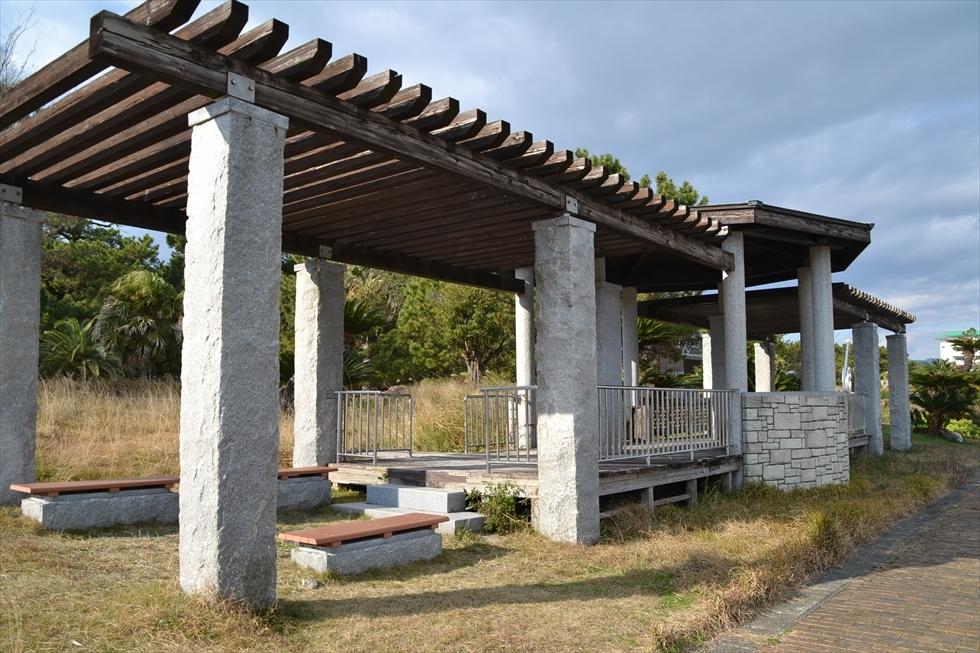 桂浜 種崎千松公園の休憩所