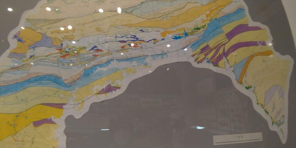 佐川地質館と桂浜の五色の石(四国の地質1)