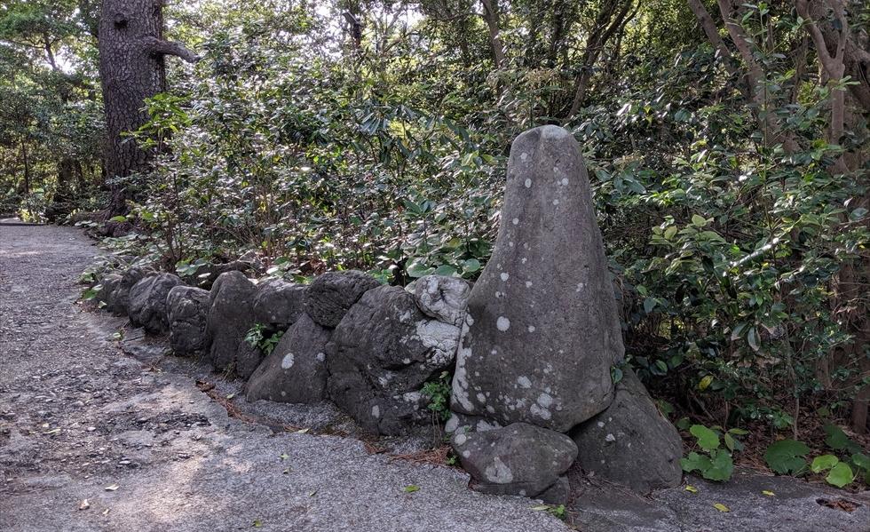 桂浜の大町桂月記念碑(船体1)