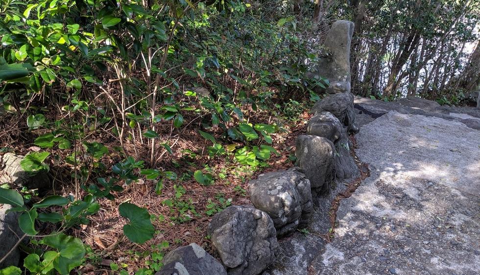 桂浜の大町桂月記念碑(船体2)