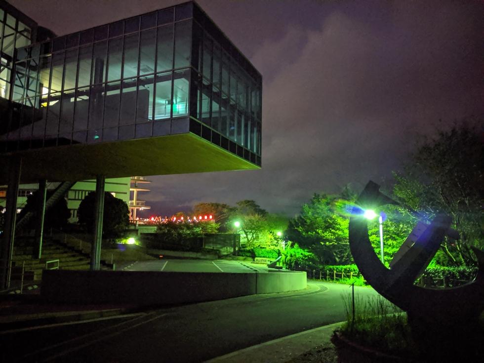 夜の坂本龍馬記念館