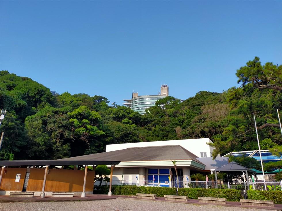 国民宿舎 桂浜荘の宿泊記(桂浜から眺めた外観)