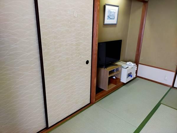 国民宿舎 桂浜荘の宿泊記(和室の部屋の様子)